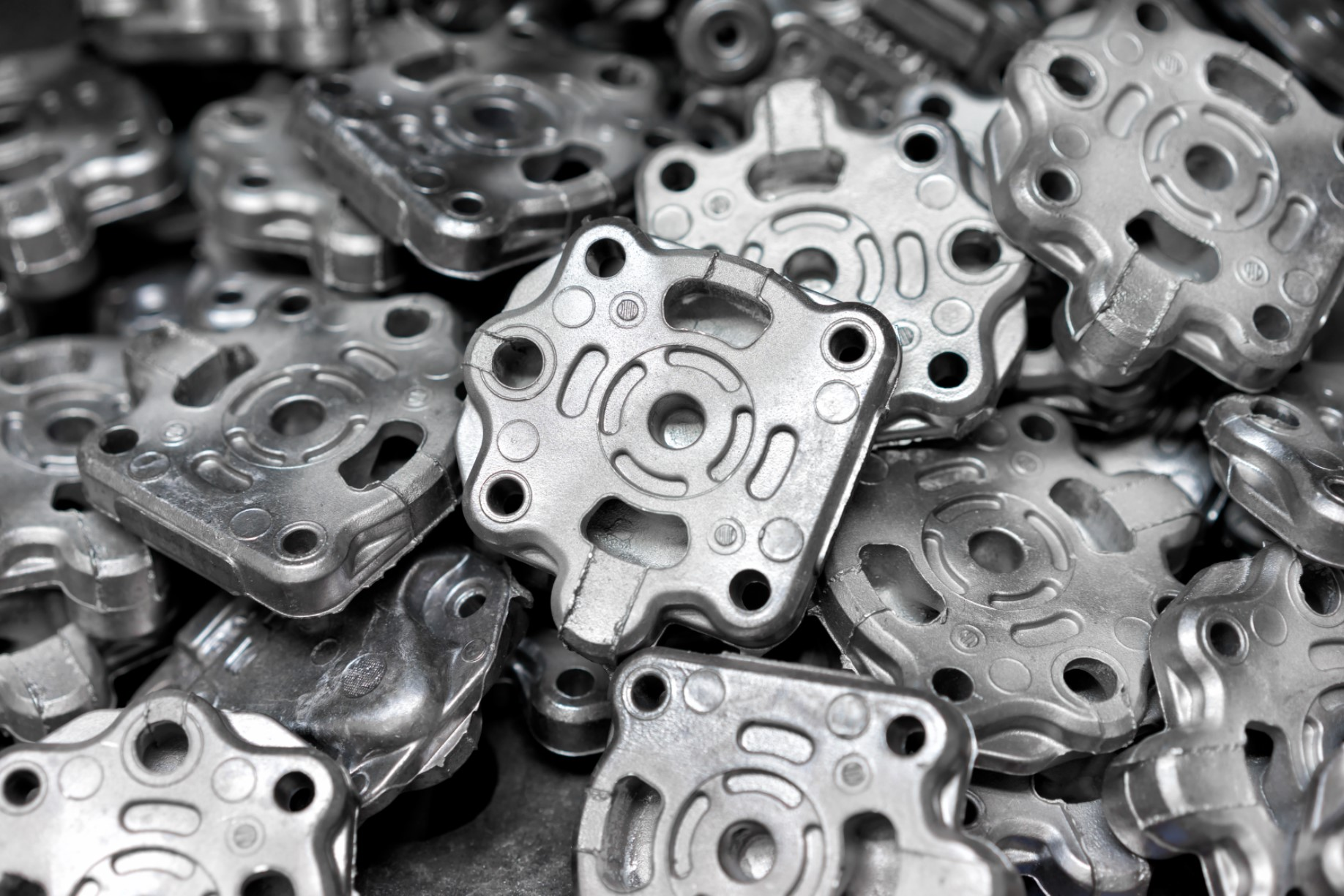 DC Pile Of Aluminum Automotive Parts, Casting Process In The Automotive Industry Factory